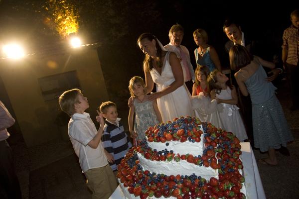 Scrummy Yummy Wedding Cakes... - Marry Me in Tuscany