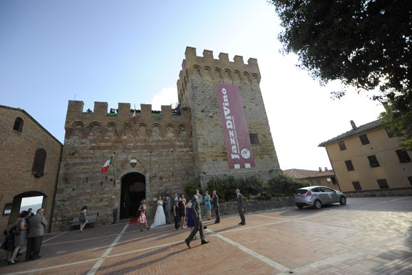 Casole D'Elsa, Rocca, Wedding venue, Civil Weddings Tuscany.