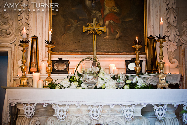 Wedding flowers, chapel Siena, Montestigliano, wedding planner Siena, Wedding photographer, Tuscany